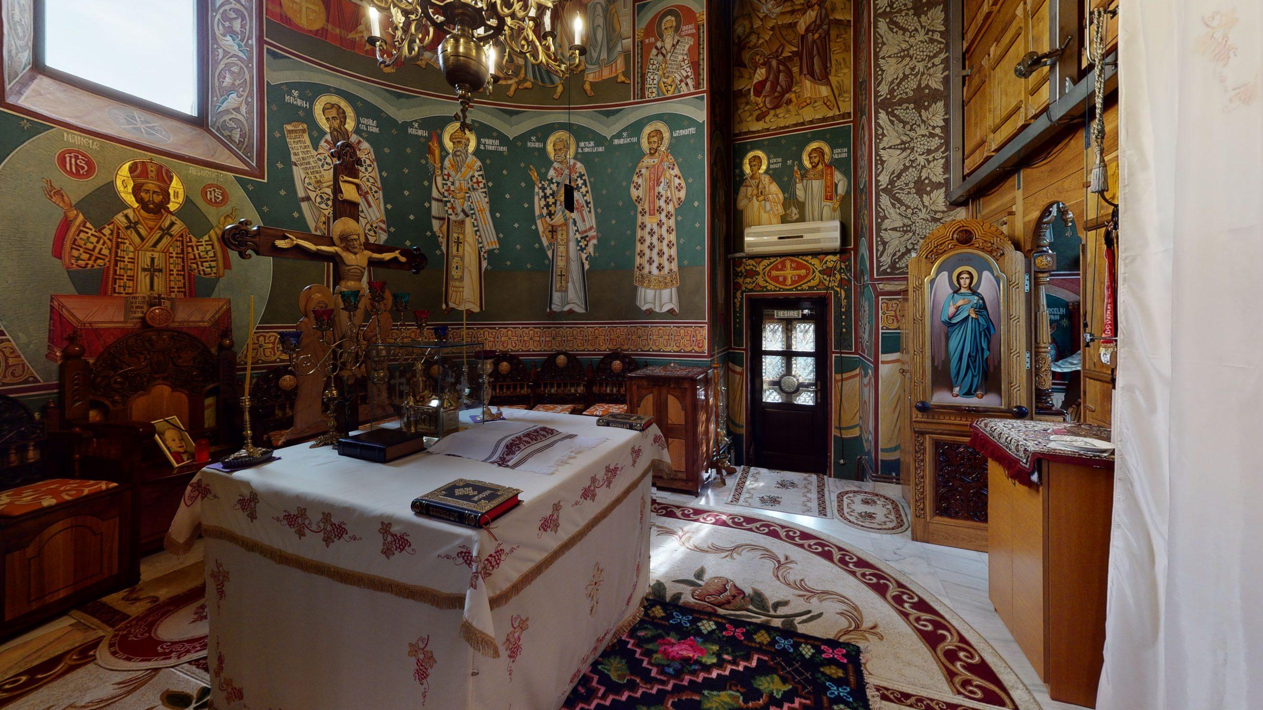 Biserica-Sfintii-Trei-Ierarhi-Flamanzi-Bedroom(1)