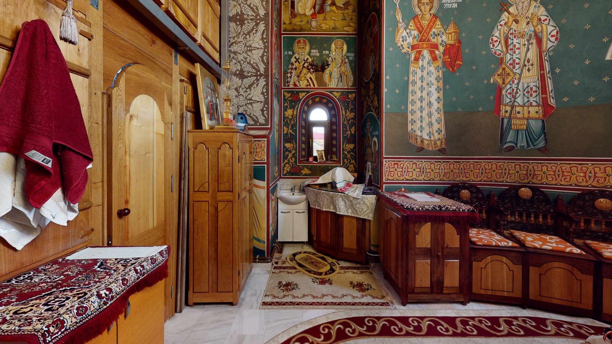 Biserica-Sfintii-Trei-Ierarhi-Flamanzi-Bedroom(2)